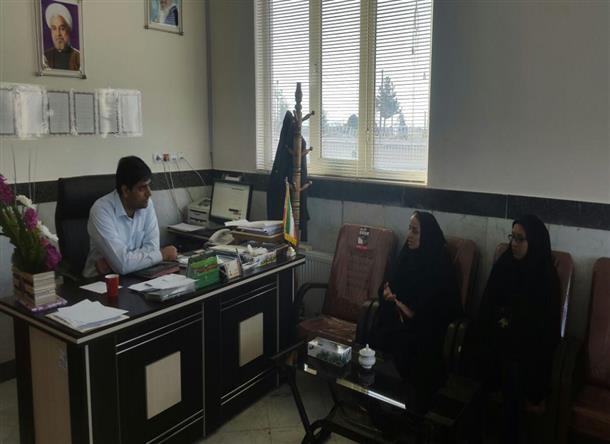 ديدار رئيس كتابخانه هاي فردوس و مسئول كتابخانه اسلاميه با بخشدار مركزي