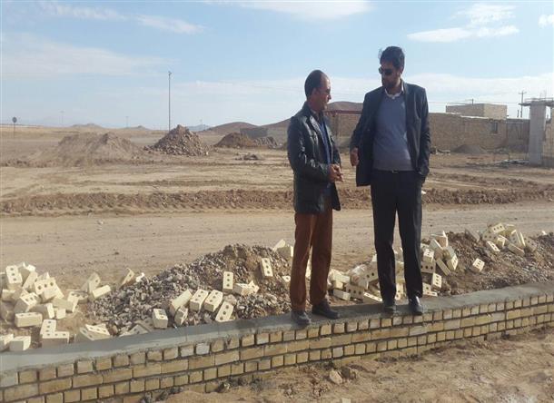 بازديد بخشدار اسلاميه از پارك در حال احداث روستاي حسين آباد